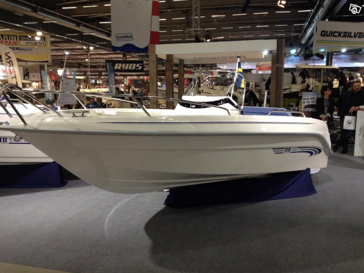 Faceliftade HR 480 SC med 50 hk 4-takt 144900:-